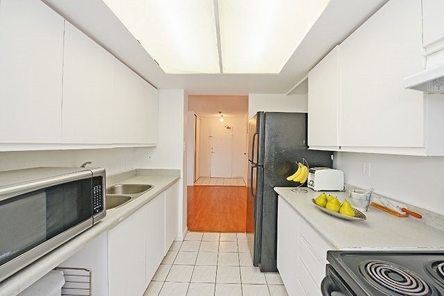 Condo Apartment at 5 Rowntree Rd, Unit 203, Toronto, Ontario. Image 18