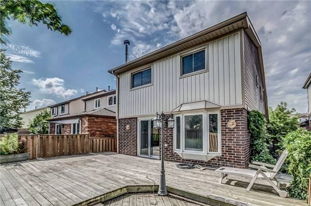 Detached at 9 Scotia Dr, Brampton, Ontario. Image 11