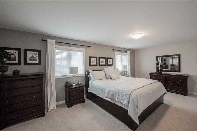 Detached at 2272 Falling Green Dr, Oakville, Ontario. Image 14
