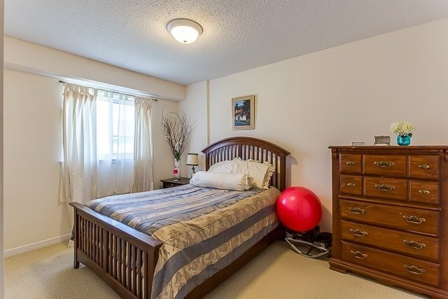 Condo Townhouse at 2670 Battleford Rd, Unit 55, Mississauga, Ontario. Image 2