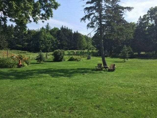 Rural Residence at 8628 Appleby Line, Milton, Ontario. Image 2