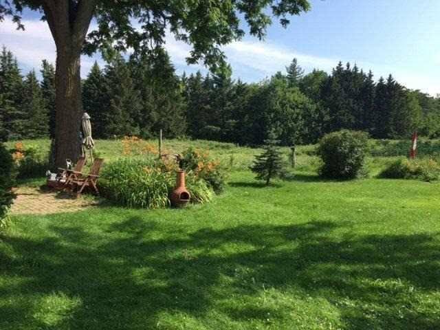 Rural Residence at 8628 Appleby Line, Milton, Ontario. Image 3