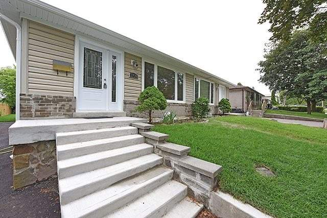 Semi-detached at 1774 Pagehurst Ave, Mississauga, Ontario. Image 1