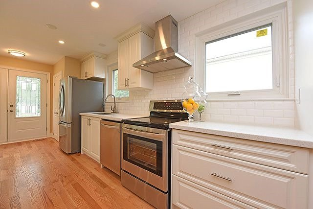 Semi-detached at 1774 Pagehurst Ave, Mississauga, Ontario. Image 15