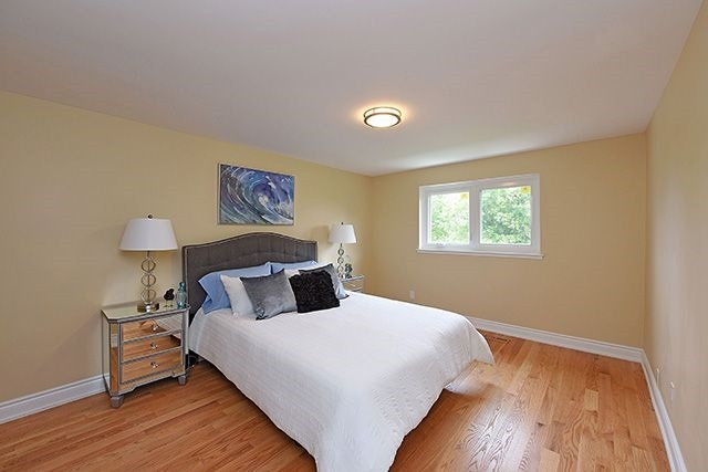 Semi-detached at 1774 Pagehurst Ave, Mississauga, Ontario. Image 5