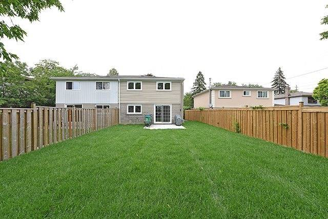 Semi-detached at 1774 Pagehurst Ave, Mississauga, Ontario. Image 10