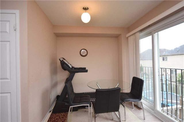 Semi-detached at 7178 Para Pl W, Mississauga, Ontario. Image 19