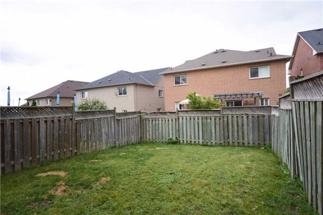 Semi-detached at 7178 Para Pl W, Mississauga, Ontario. Image 13