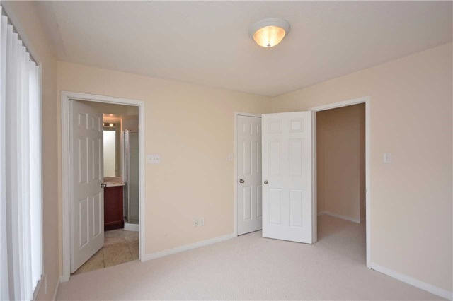Condo Townhouse at 5650 Winston Churchill Blvd, Unit 41, Mississauga, Ontario. Image 3