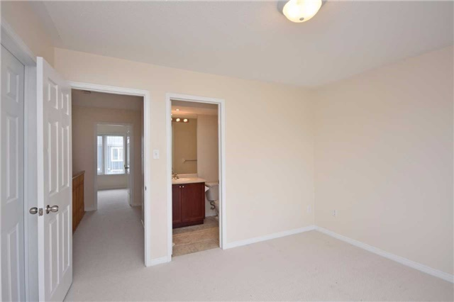 Condo Townhouse at 5650 Winston Churchill Blvd, Unit 41, Mississauga, Ontario. Image 8