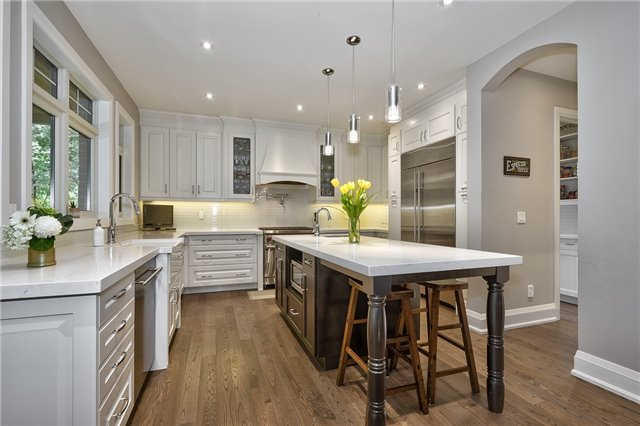 Detached at 1609 Crediton Pkwy, Mississauga, Ontario. Image 11