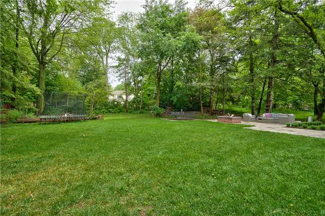 Detached at 1609 Crediton Pkwy, Mississauga, Ontario. Image 10