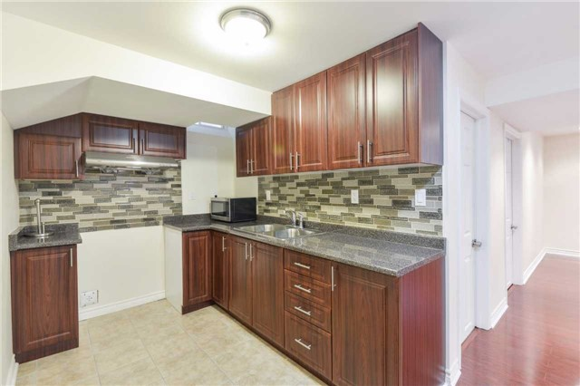 Detached at 1186 Barr Cres, Milton, Ontario. Image 9