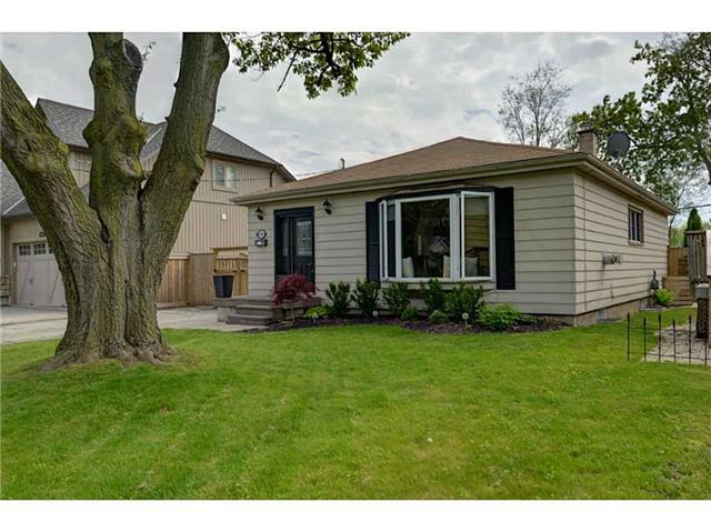 Detached at 490 Mayzel Rd, Burlington, Ontario. Image 1