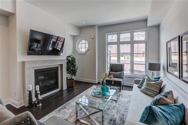 Townhouse at 290 Royalton Common, Unit 70, Oakville, Ontario. Image 1