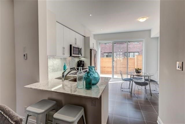 Townhouse at 290 Royalton Common, Unit 70, Oakville, Ontario. Image 18