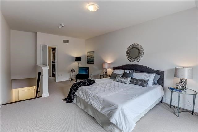 Townhouse at 290 Royalton Common, Unit 70, Oakville, Ontario. Image 3