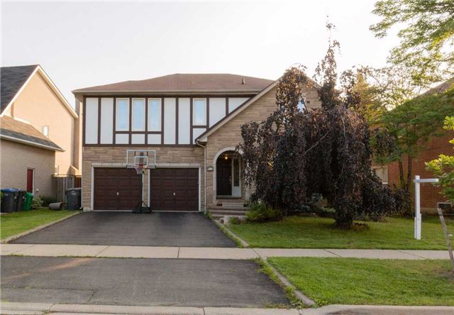 Detached at 15 Hartford Tr, Brampton, Ontario. Image 1