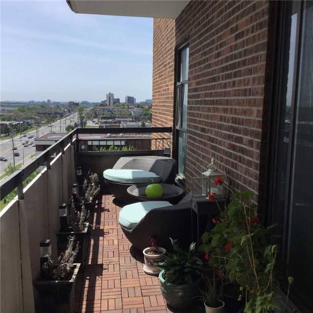 Condo Apartment at 3025 Queen Frederica Dr, Unit 904, Mississauga, Ontario. Image 5