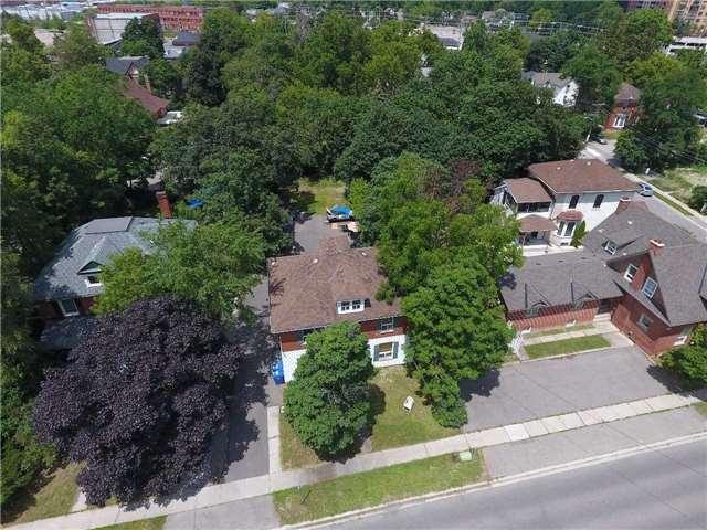 Detached at 38 Nelson St W, Brampton, Ontario. Image 1