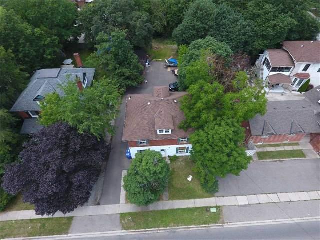Detached at 38 Nelson St W, Brampton, Ontario. Image 2