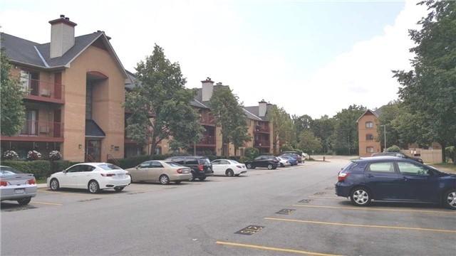Condo Apartment at 1480 Pilgrims Way, Unit 1613, Oakville, Ontario. Image 1