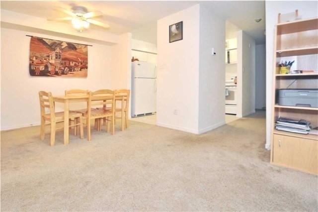 Condo Apartment at 1480 Pilgrims Way, Unit 1613, Oakville, Ontario. Image 15