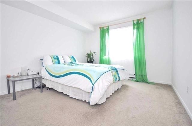 Condo Apartment at 1480 Pilgrims Way, Unit 1613, Oakville, Ontario. Image 2