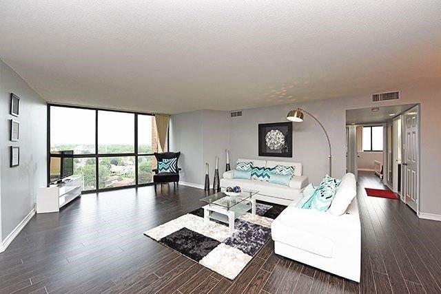Condo Apartment at 1230 Marlborough Crt, Unit #1010, Oakville, Ontario. Image 16