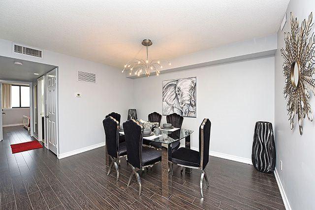 Condo Apartment at 1230 Marlborough Crt, Unit #1010, Oakville, Ontario. Image 2