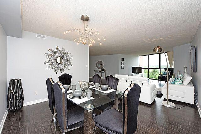 Condo Apartment at 1230 Marlborough Crt, Unit #1010, Oakville, Ontario. Image 3