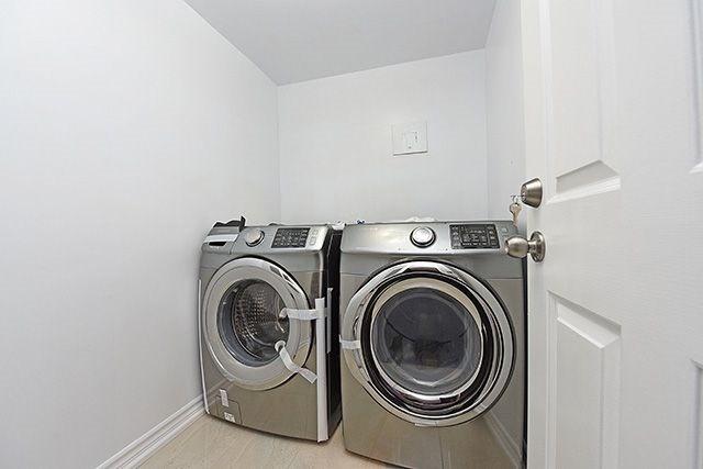 Condo Apartment at 1230 Marlborough Crt, Unit #1010, Oakville, Ontario. Image 5