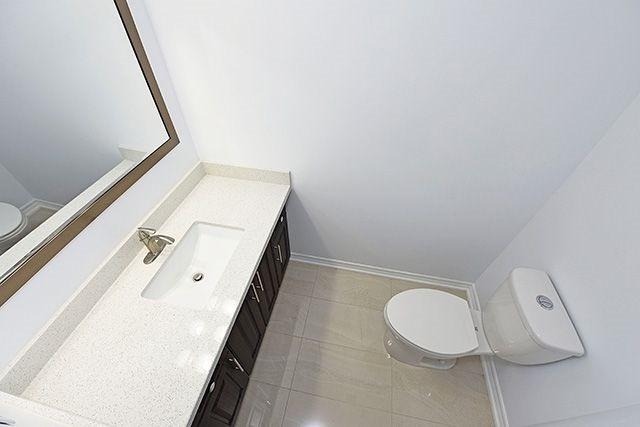 Condo Apartment at 1230 Marlborough Crt, Unit #1010, Oakville, Ontario. Image 7