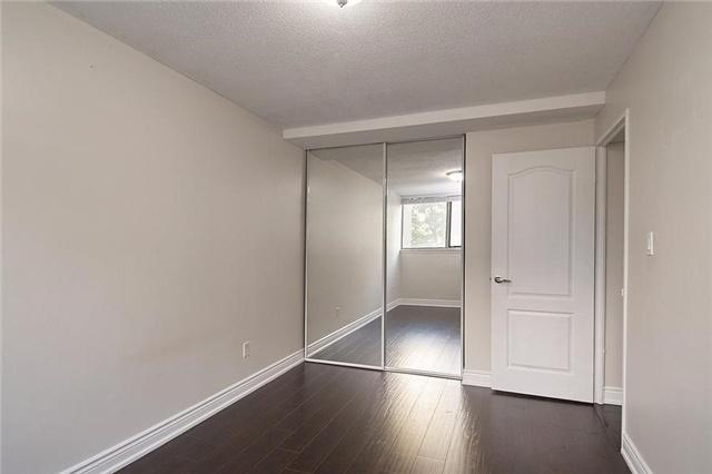 Condo Apartment at 11 Wincott Dr, Unit 105, Toronto, Ontario. Image 5