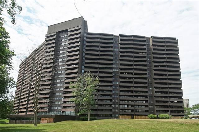 Condo Apartment at 11 Wincott Dr, Unit 105, Toronto, Ontario. Image 13