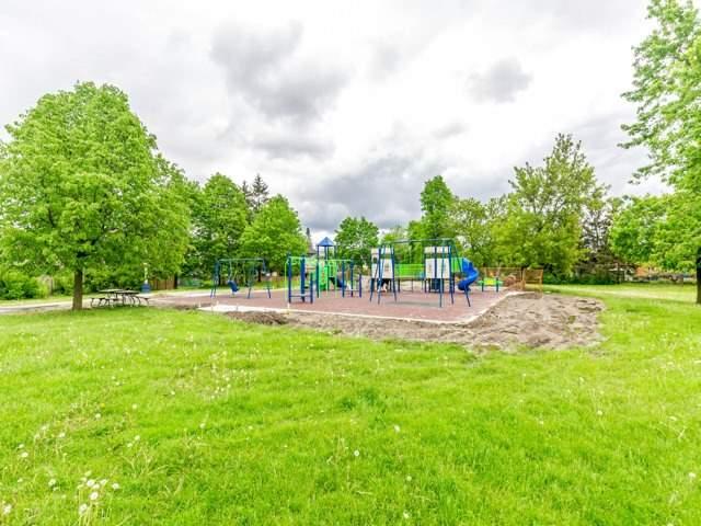 Detached at 166 Martindale Cres W, Brampton, Ontario. Image 11