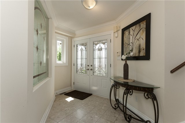 Detached at 1384 Willowvale Gdns, Mississauga, Ontario. Image 12