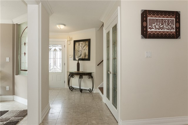 Detached at 1384 Willowvale Gdns, Mississauga, Ontario. Image 14