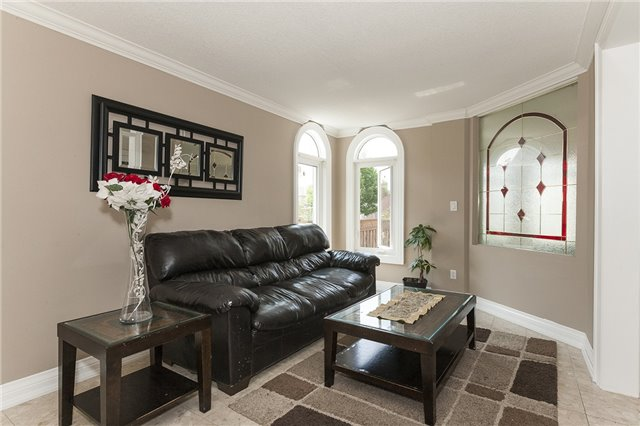 Detached at 1384 Willowvale Gdns, Mississauga, Ontario. Image 16