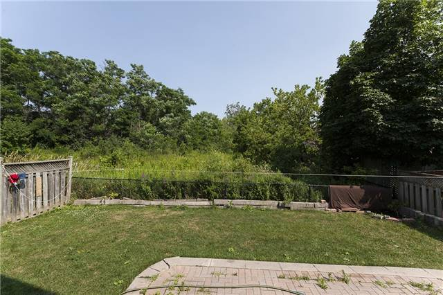 Detached at 1384 Willowvale Gdns, Mississauga, Ontario. Image 13