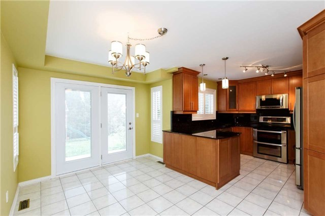 Detached at 5578 Loonlake Ave, Mississauga, Ontario. Image 17