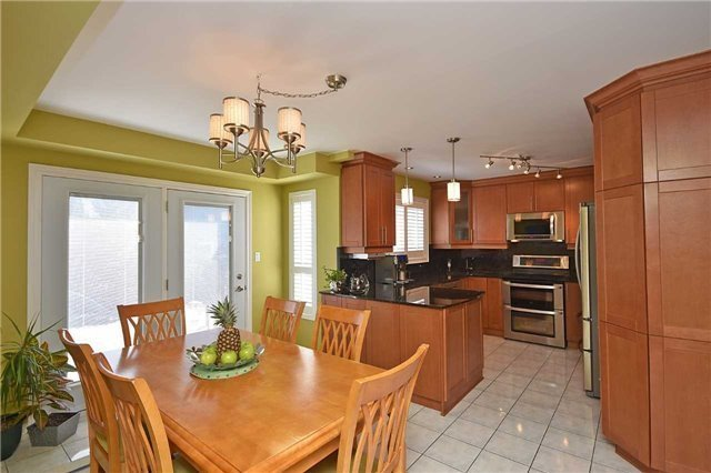 Detached at 5578 Loonlake Ave, Mississauga, Ontario. Image 18