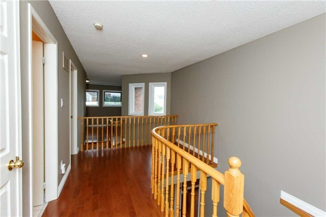 Detached at 5578 Loonlake Ave, Mississauga, Ontario. Image 3