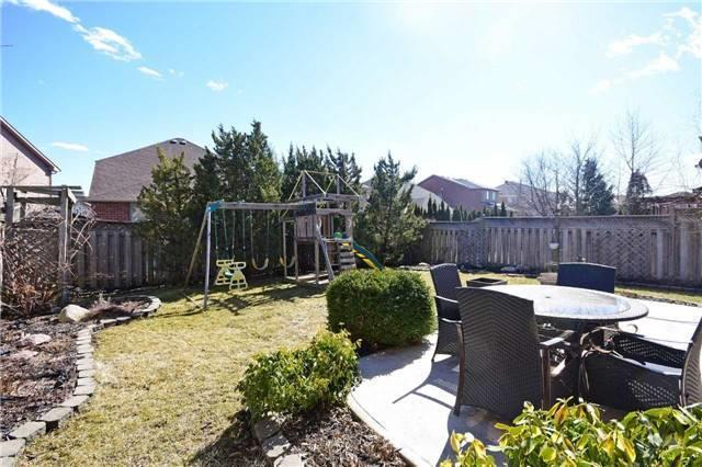 Detached at 5578 Loonlake Ave, Mississauga, Ontario. Image 10