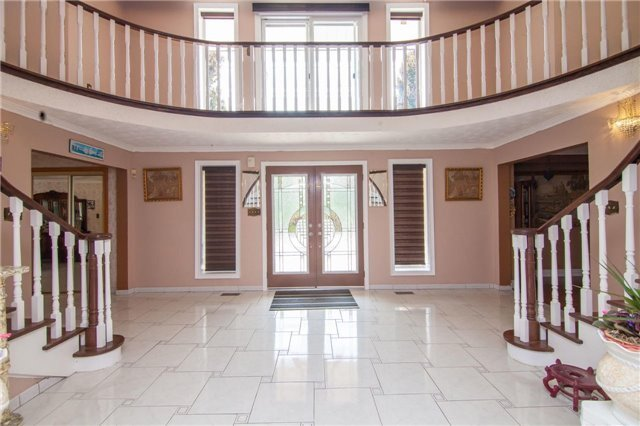 Detached at 15851 Centreville Creek Rd, Caledon, Ontario. Image 13