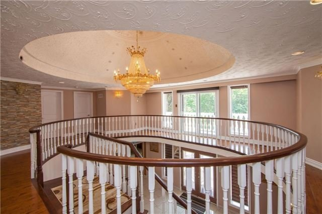 Detached at 15851 Centreville Creek Rd, Caledon, Ontario. Image 14