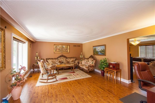Detached at 15851 Centreville Creek Rd, Caledon, Ontario. Image 19