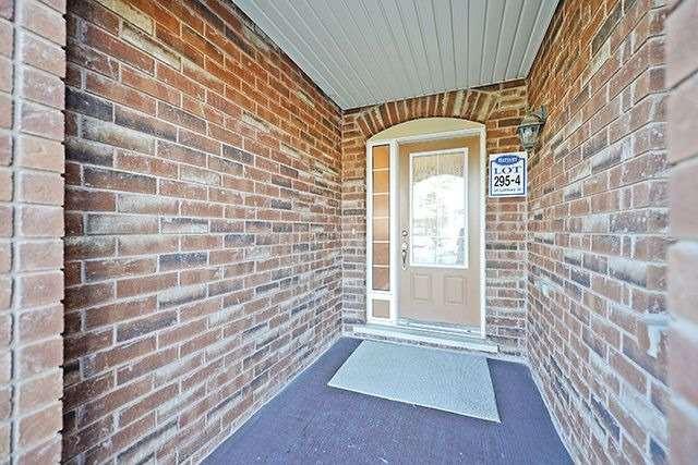 Townhouse at 54 Lathbury St, Brampton, Ontario. Image 14