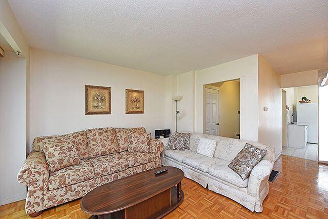Condo Townhouse at 7560 Goreway Dr, Unit #36, Mississauga, Ontario. Image 14