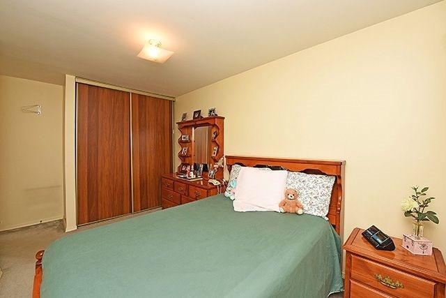 Condo Townhouse at 7560 Goreway Dr, Unit #36, Mississauga, Ontario. Image 10